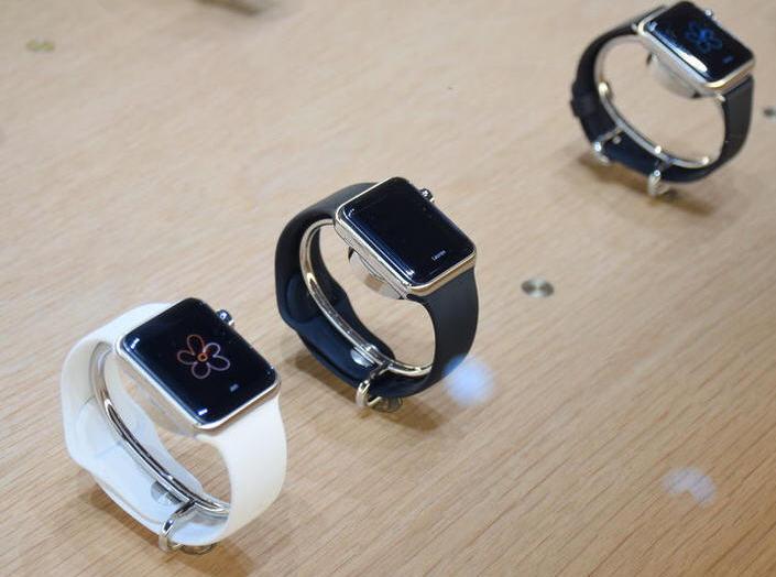 ,Apple,上市交易,Apple Watch:普通版 运动版Sport 时尚奢侈专业版Edition