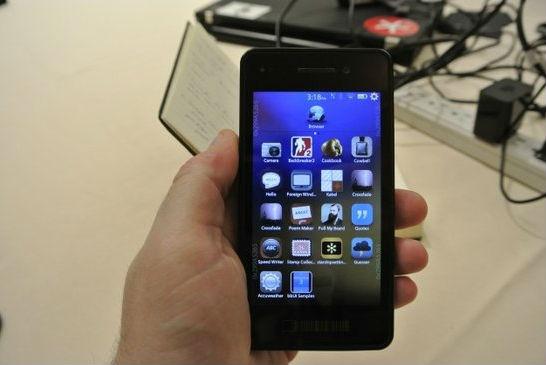 消息称RIM将在3月推出触控屏黑莓10手机