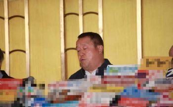 曾志伟携子开记者会力证清白:不曾性侵蓝洁瑛 将起诉韩颖华