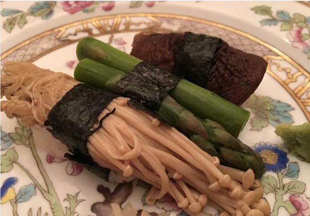 刘强东奶茶妹素食招待王力宏 土豪打麻将现高科技老千