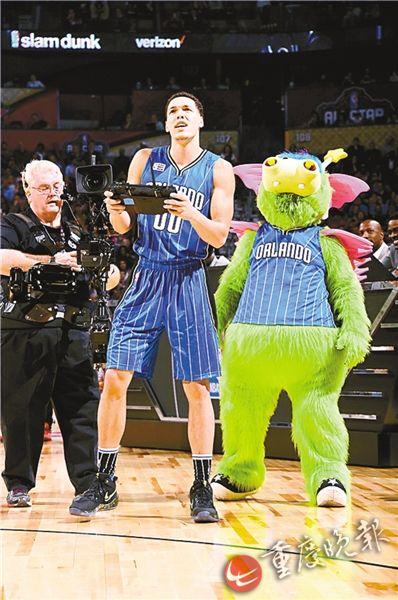 面对面看飞人扣篮~高科技打造全新NBA赛事