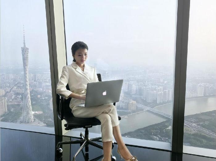 ,移动互联网, 专访企业家 雷小兰:移动社交电商亿万企业的微跃 未来走向