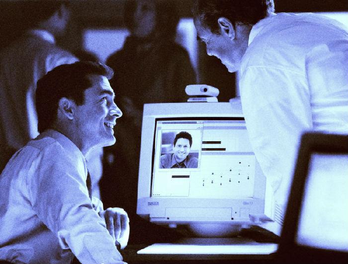 ,谷歌,研究人员通过网络摄像头麦克风找到了监视远程屏幕的方法