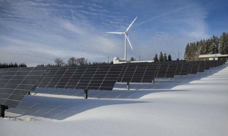 ,绿色能源时代到来:电池储能技术推动太阳能等能源存储的发展