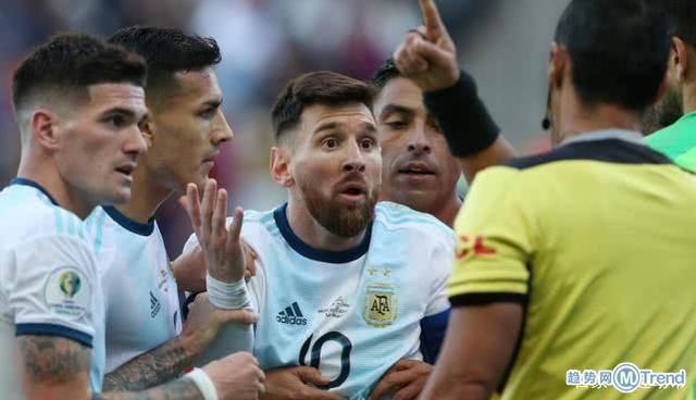 今日热点:梅西拒绝领奖 梅西被红牌罚下