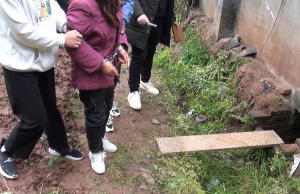 热点:两孙女被奶奶推拉进粪坑溺亡 女孩称遭老师欺压后跳楼致截瘫