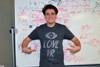 VR行业标杆Oculus Rift身陷剽窃门 拉基效仿扎克伯格