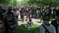 多伦多爆发游行示威 纽约州长说美国警察暴力执法不是个案