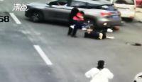 热点:女子当街遭前男友驾车碾压 父亲为骗保把智障儿子推下海