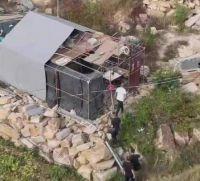 热点:莆田砍死邻居嫌犯作案动机 被邻居阻挠盖房住雨棚六年
